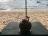 パタヤのビーチでまったり読書する幸せ